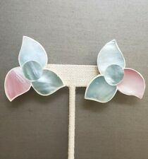 🌸 Lee Sands Style Mother of Pearl Pastel Flower Earrings on white back.🌸