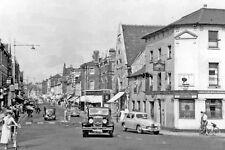 PHOTO  KENT 1955 TONBRIDGE NORTHWARD UP HIGH ST.