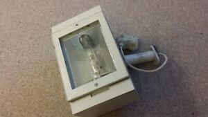 Erco - HQI-Strahler 150 Watt, weiß , für 3 Phasen Schiene