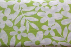 0.5 metre Daisy Print (Lime) 100% Cotton Fabric 145cm wide