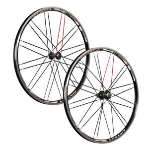 Vuelta 28 pouces ensemble roues vélo Airtec1 XRP Shimano Altus HB / FH-RM40 noir