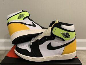 Nike Air Jordan 1 Retro High OG White Black Volt Gold DS 555088 118 Size 8.5