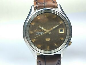 Vintage Seiko 5 Mechanical Automatic Movement Day Date Dial Mens Watch C212
