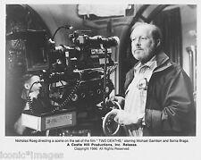 "ORIGINAL 1996 MOVIE PHOTO-DIRECTOR NICHOLAS ROEG OF THE FILM ""TWO DEATHS""-DRAMA"