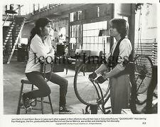 ORIGINAL 1986-MOVIE STILL-QUICKSILVER-DRAMA-THRILLER-KEVIN BACON-JAMI GERTZ-BIKE