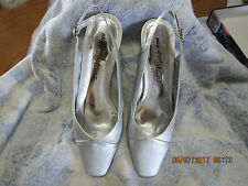 Woman's Easy Street Alive 5 Slide Sandal Silver Satin Size 8 NIB