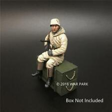 War Park Gift Sitting Soldier Figure Kit WWII German Army Collection KH028 1/30