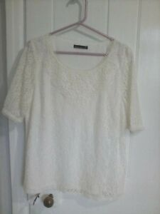 ladies David Emanuel cream short sleeve lined lace top size 20