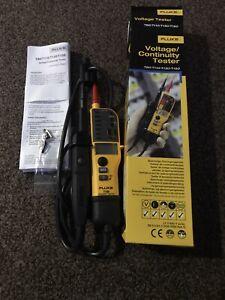 Fluke T130  Voltage & Continuity Tester