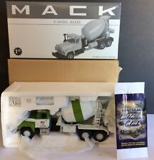 First Gear 1/34 scale diecast truck