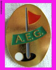 BG3112 - INSIGNE AEG ASSOCIATION EUROPEENNE DE GOLF -  DRAPEAU ROUGE