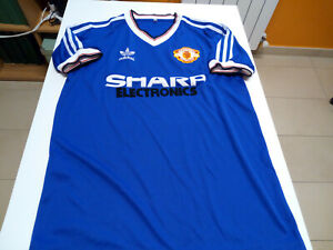 Maglie da calcio di squadre inglesi blu Manchester United ...