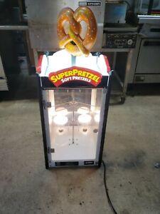 J&J Super Pretzel Model 2000 rotating Warmer Display Machine