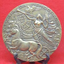 BRONZE MEDAL / QUADRIGA / NUDE WOMAN / HORSES / SOLDIERS / DEMOCRACY / 90 mm