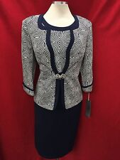 TALLY TAYLOR DRESS SUIT/NEW WITH TAG/SIZE 14/RETAIL$149/LINED/DRESS LENGTH 42'
