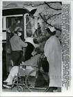 1966 Press Photo The patients at the sanatorium were evacuated due to fire