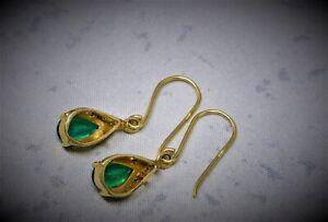 18CT YELLOW GOLD DIAMOND & CREATED EMERALD DROP EARRING