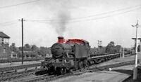 PHOTO  GWR 61XX NO 6134 1962 AT TILEHURST RAILWAY STATION DOWN EMPTY FLATS CL.K