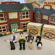 Wallace And Gromit West Wallaby Street Playhouse Includes 8 Figures All Boxed
