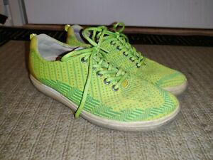 Ecco Golf Spikeless Women's Size 39 EU/8 US Neon Green Hybrid Knit Lace Up Shoes