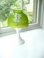 Vintage Westmoreland Fairy Lamp - Citrus Green~Hand Painted White Daisies