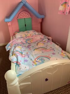 Little tikes Country Cottage Toddler Bed & Bedding