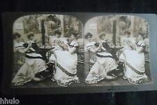STB444 Scène de genre Femmes jeux de cartes stereoview photo STEREO albumen