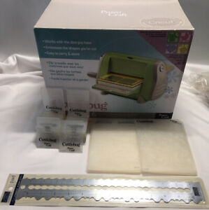Cuttlebug Die Cutter & Embossed Machine W/  Rippin Ruler/ 40 Extra Embossing Fol