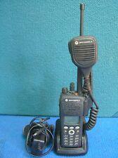 Motorola Xts2500 VHF 136-174 Portable Model H46KDH9PW7BN with hand speaker mic