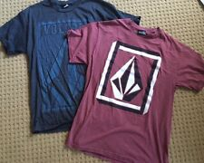 LOT OF 2 VOLCOM Mens T-Shirts size M Gray  & Dark Red Skate Sports Everyday