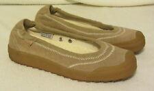 Simple tan slip on shoe womens 9.5 ~ EUC