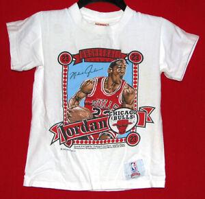 Official NBA Chicago Bulls Michael Jordan Vintage VTG Nutmeg Boys S T-Shirt Used