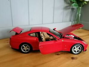 Ferrari F137 red diecast model car 1:18 by Hotwheels rare