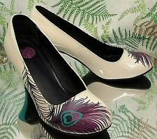 T.U.K WHITE LEATHER PEACOCK LOAFERS PUMPS SLIP ONS DRESS HEELS SHOES WOMENS SZ 7