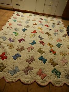 ANTIQUE  BEAUTIFUL  BUTTERFLY APPLIQUE   HAND STITCHED LG QUILT