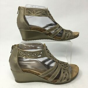 Earth Origins Womens 8 M Kinsley Casual Wedge Gladiator Sandals Gold Leather