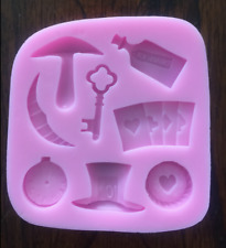 MAD HATTER AND ALICE IN WONDERLAND SILICONE MOLD ICE TRAY CANDY CHOCOLATE MOLD