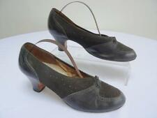 Vintage 1940s WW2 Era Ladies Brogue Shoes - Black Leather & Suede  - Size 4