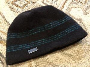 MOUNTAIN HARDWEAR Black Beanie Winter Hat Cap Unisex Green Strips w Ear Fleece