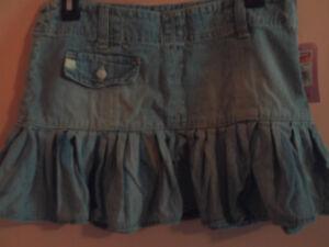 NWT UNIONBAY juniors sky blast lite denim ruffle bottom skirt; size 0