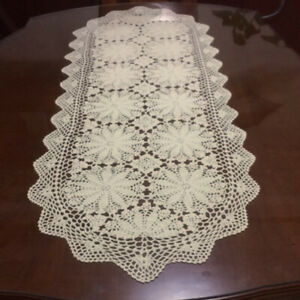Vintage Lace Table Runner Hand Crochet Cotton Doilies Wedding Floral 50x100cm