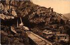 CPA Fontaine de Vaucluse - Vue générale et Rocher de 350 métres ...(512156)