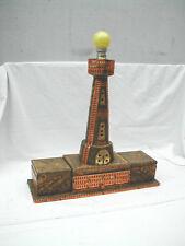 lampe phare boîte art populaire bois pirogravé et métal doré vintage