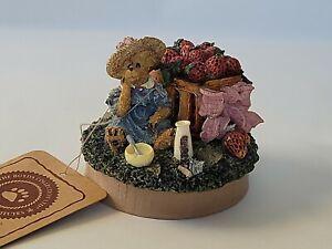 Boyds Bears & Friends Candle Topper Jar Lid Josie Strawberry Fields