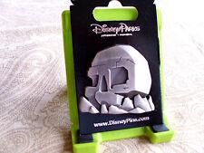 Disney * SKULL ROCK * New on Card Peter Pan Capt. Hook Trading Pin