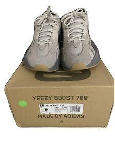 adidas yeezy 700 v2 static Size 9 *Tried On Once*