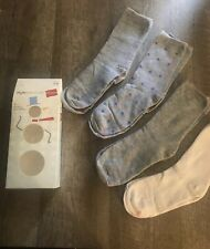 Hanes 4 Pairs Women's Crew Socks Gray And White In A Box New Free Shipping