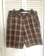 VOLCOM shorts taille 32 size GILLFORD khaki Plaid neuf avec etiquettes NWT skate