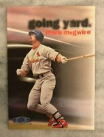 1999 Fleer Tradition Mark McGwire Going Yard #9 Cardinals