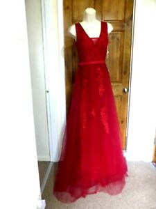 Pretty red tulle beaded detail evening dress from Babyonline size 10